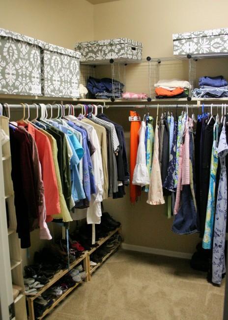 clean closet organization