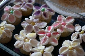 Spring Marshmallow Cupcakes {Easter Cupcake Chaos-pt.2}