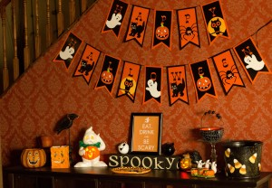 Vintage Halloween Vignette