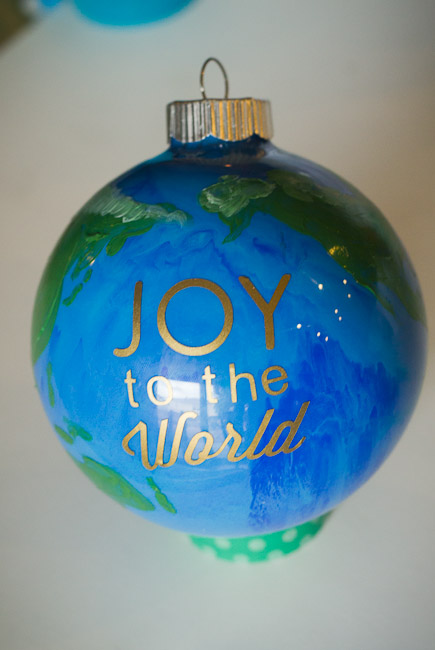 peace on earth DIY ornament-9805