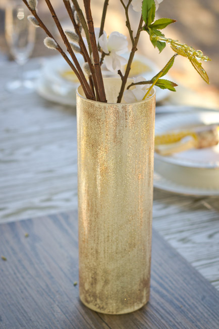 Woodgrain faux bois tablescape-19