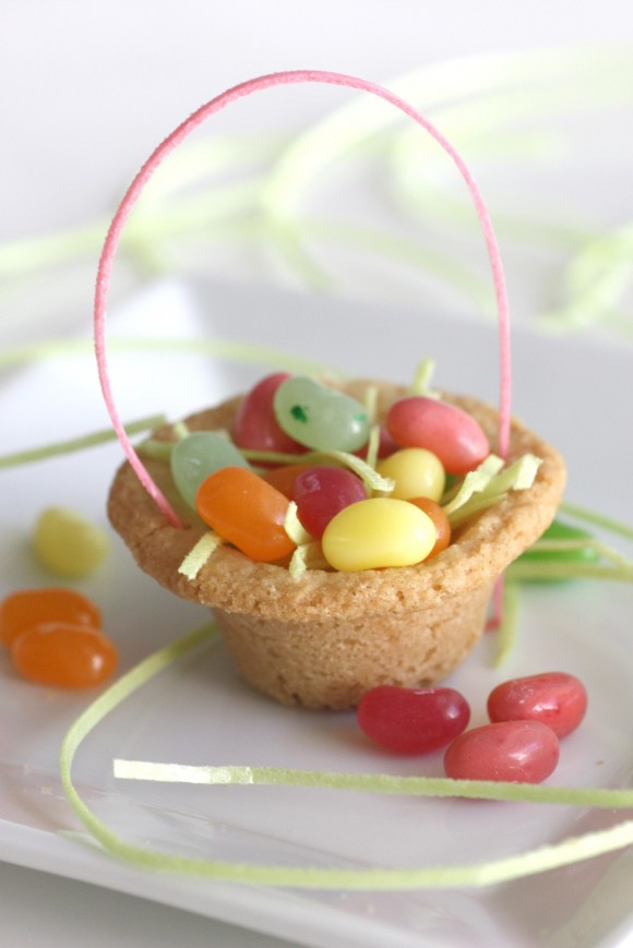 Sugar-cookie-easter-basket-diy-2.jpg-580x869