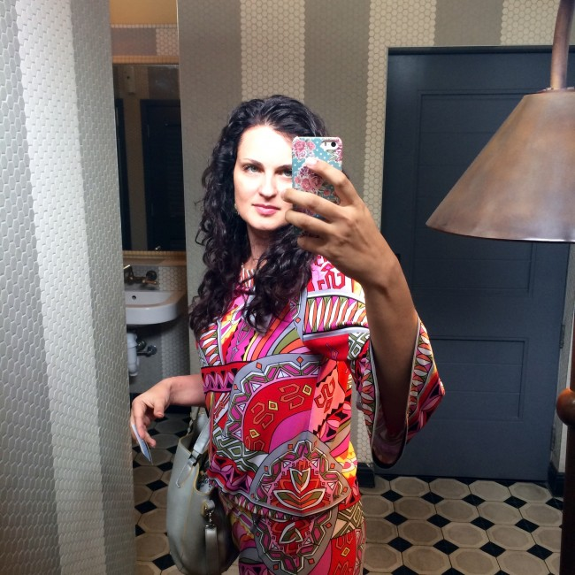 curly hair sassy selfie