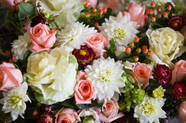 Modern Garden Flower Arrangement (1 of 3)