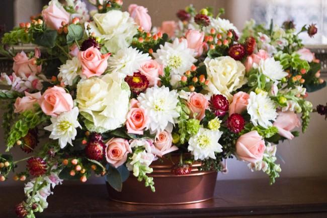 Modern Garden Flower Arrangement (3 of 3)