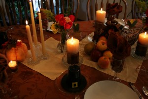 8 Thanksgiving Tablescapes