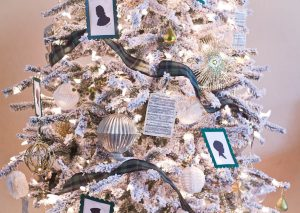Dickens Caroler Inspired Christmas Tree from Treetopia